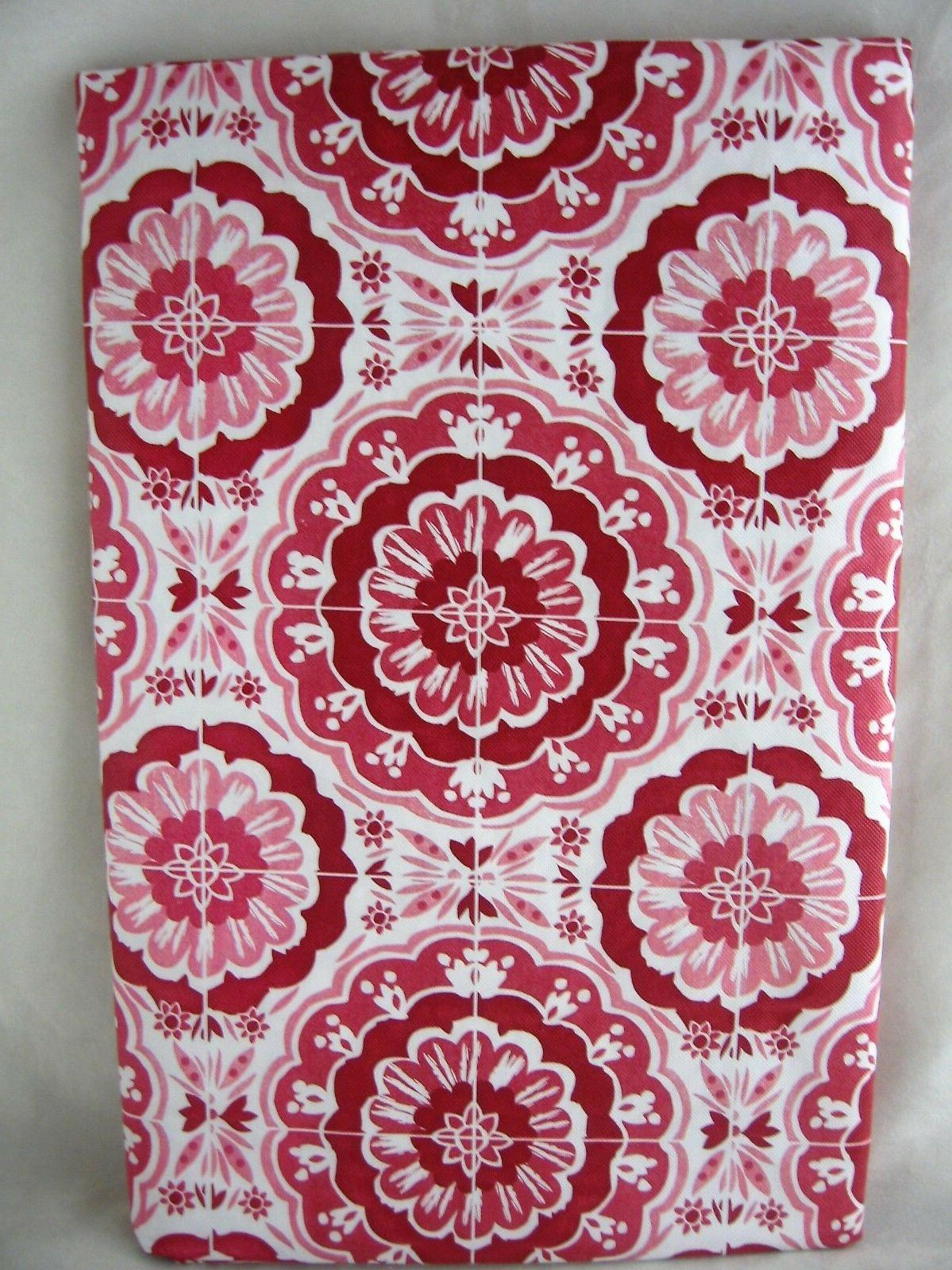 assorted sizes deep red and white medallion