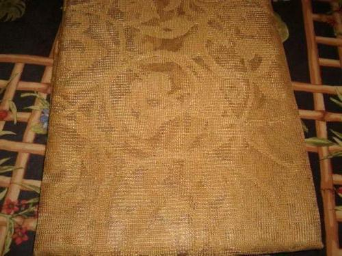 Benson Mills Divine Scalloped Lace Tablecloth GOLD