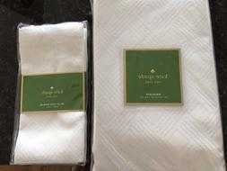 Kate Spade Lundie Avenue Fresh Cream 60 x102 Tablecloth & 4
