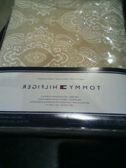 """New Tommy Hilfiger Tan & White Medallion Tablecloth 60""""x 120"""