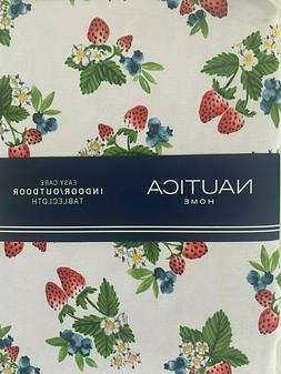 Nautica Oblong Tablecloth 60 x 104 White Berries Strawberry