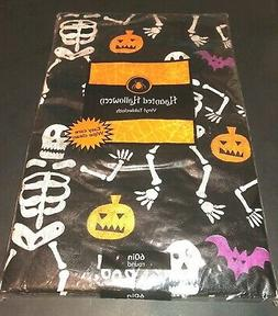 Haunted Halloween Round 60in Vinyl Tablecloth Flannel Back D