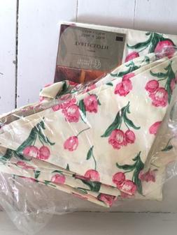 """Home Trends Tablecloth And 8 Napkins Tulip Oblong 52"""" x 70"""""""