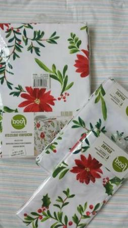 Tablecloth and Napkin Set Holiday Poinsettia Stain Resistant